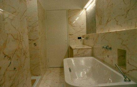 Top bagno e rivestimento in marmo Rosa Portogallo Chiaro  SIRONI MARMI