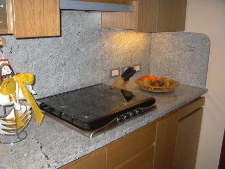 Piano cucina granito meera white sironi marmi - Piano cucina in granito ...