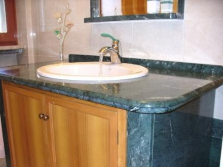 Top bagno in marmo Verde Guatemala, rivestimento in Pietra ...