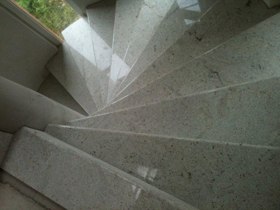 Realizzazioni sironi marmi - Scale interne marmo ...