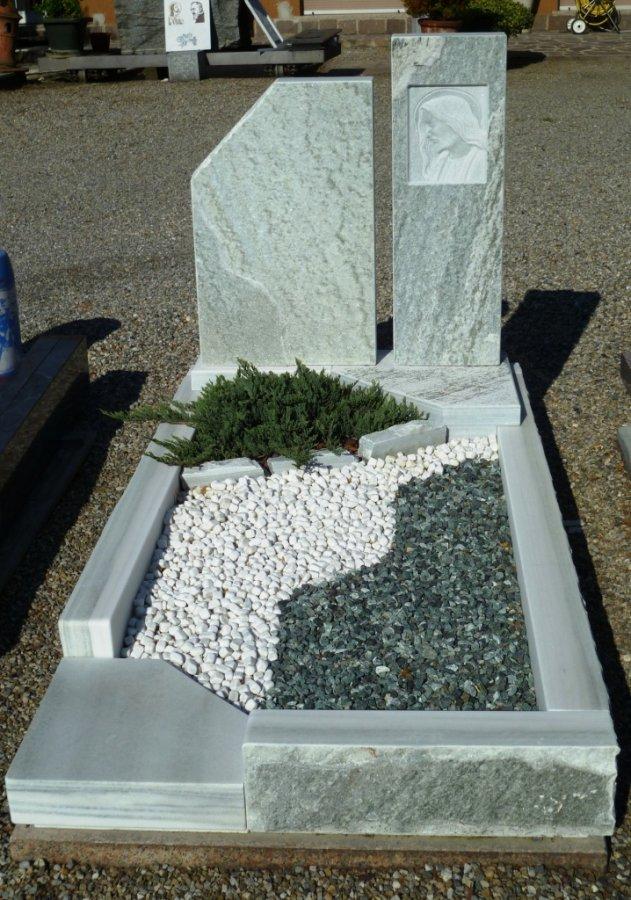 Realizzazioni arte funeraria monza sironi marmi for Arredi cimiteriali